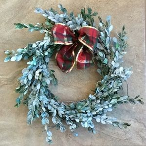 Holiday Wreath Preserved Dried Snow Boxwood 13-15""